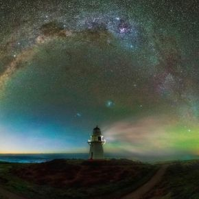 Paisagens Cósmicas: imagens tiradas da Nova Zelândia capturam a ViaLáctea