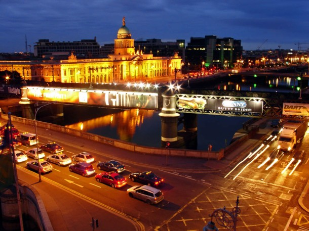 dublin-at-night