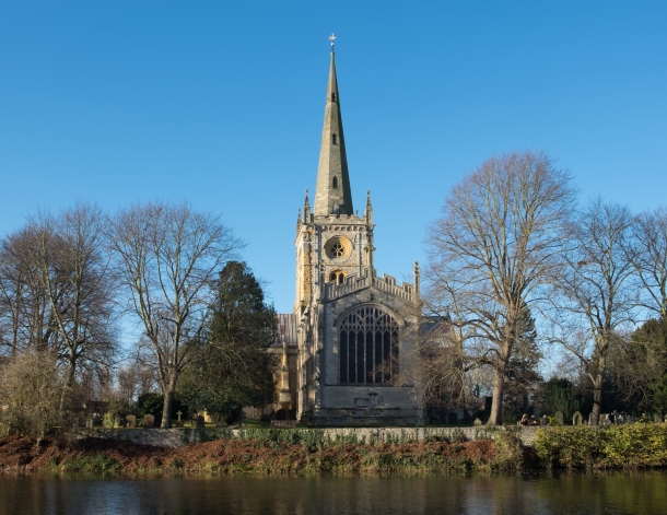 Holy_Trinity_Church,_Stratford-upon-Avon.jpg